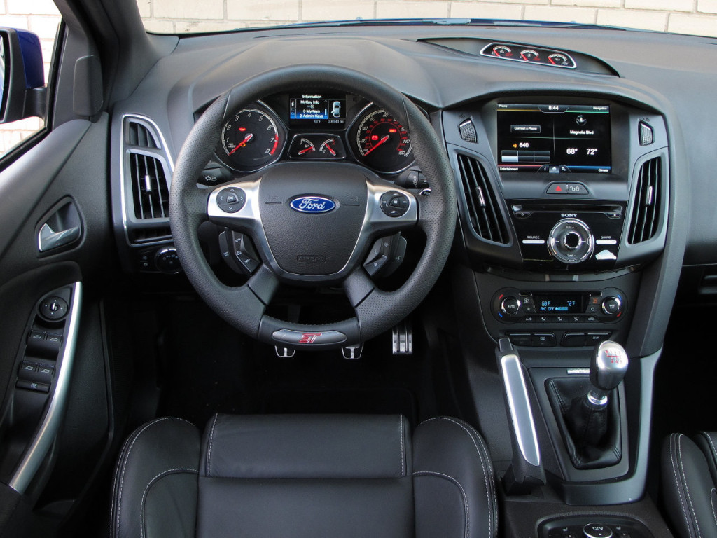ford-focus-st-interior-1